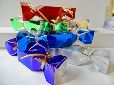 6 x Small  Christmas Cracker Favour / gift boxes Assorted Foil Colours (1)